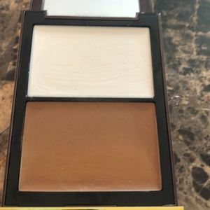 Tom Ford shade and illuminate shade 1